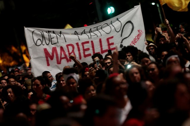 People take part in a rally against the murder of Brazilian councilwoman Marielle Franco, in Sao Paulo, Brazil March 15, 2018. REUTERS/Leonardo Benassatto