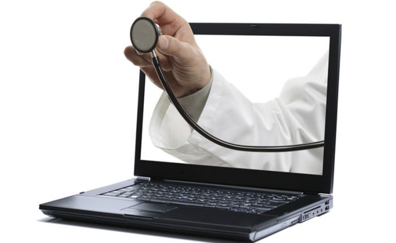 medico-doctor-internet-autodiagnostico
