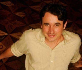 Ator Caio Junqueira morre aos 42 anos no Rio de Janeiro