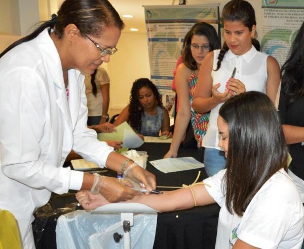 Para se cadastrar como doador de medula óssea é necessário ter mais de 18 anos (Foto: Carla Cleto)