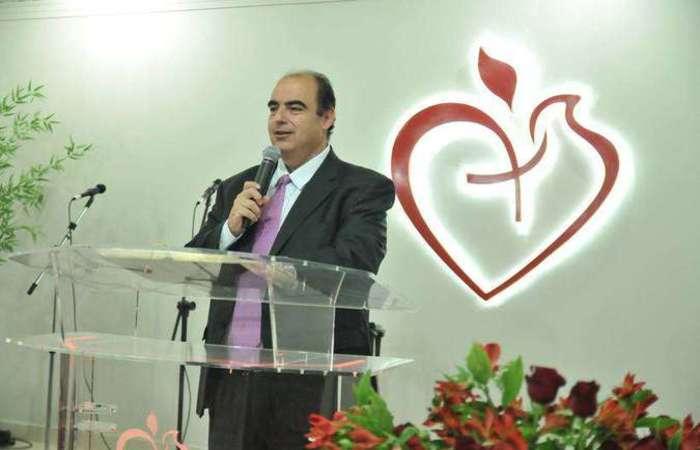 Sérgio Carazza foi nomeado pastor em 2002 e desde 2012 atua na igreja que ajudou a fundar. (Foto: Reprodução/ Igreja Batista Cristã de Brasília)