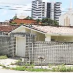 Moradores resistem em imóveis na 'área vermelha'
