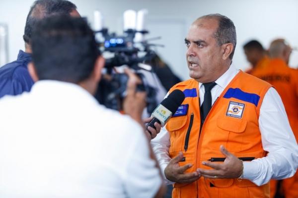 Coordenador da Defesa Civil Estadual, tenente-coronel Moisés Melo, anunciou simulado de evacuação na área (Foto: Felipe Brasil)