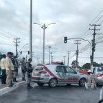 Mulher morre após se jogar na frente de veículo no Benedito Bentes