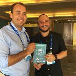 Humorista apresenta atrativos de Maceió em convenção de turismo