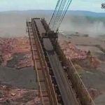 Vídeo mostra momento em que barragem se rompe em MG