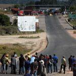 Caminhões com ajuda humanitária deixam Boa Vista em direção à Venezuela