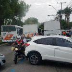 Motoristas intermunicipais bloqueiam Durval de Góes Monteiro