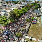 Mobilização contra os cortes na educação reúne milhares de pessoas em Maceió