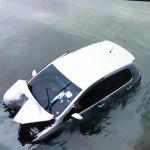 Motorista perde controle e carro cai na ponte do Mirante da Sereia
