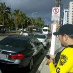 Veículos são autuados por estacionamento irregular em Maceió