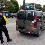Fiscalização tira dois veículos clandestinos de circulação