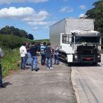 Polícia recupera caminhão roubado e suspeito morre em confronto