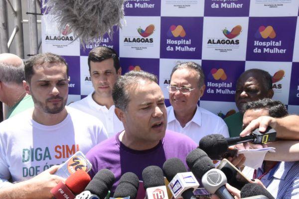 Renan Filho diz que se sente feliz pela construção da unidade de saúde. Foto: Fabrício Melo