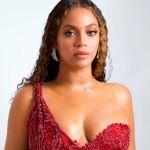 Beyoncé compartilha foto com seus filhos gêmeos em site