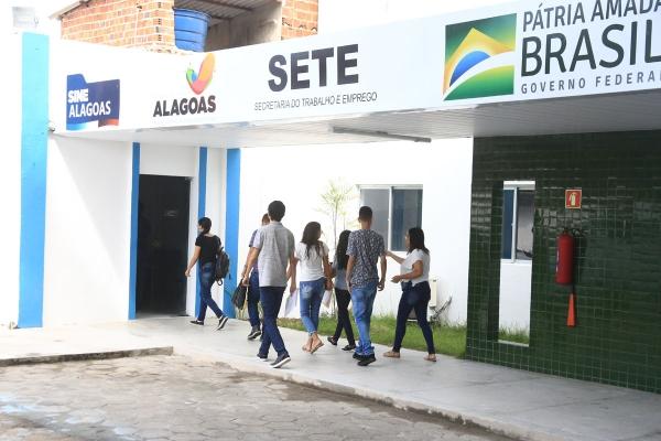 Sine oferece mais de 124 vagas de emprego para contratação imediata em Maceió
