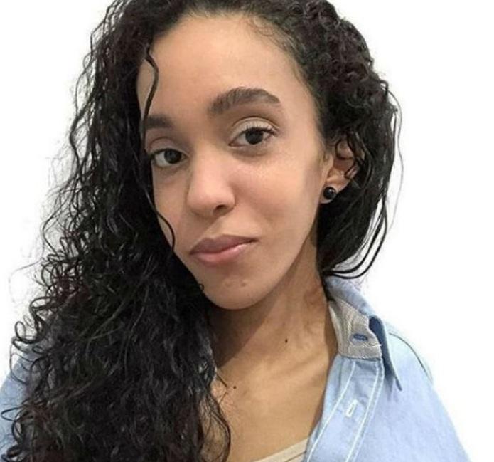 Beatriz Gomes tinha 18 anos e estudava na Erem Santa Ana, em Olinda. (Foto: Instagram/Reprodução.)