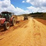 Obra de implantação e pavimentação do acesso de Pindoba é iniciada
