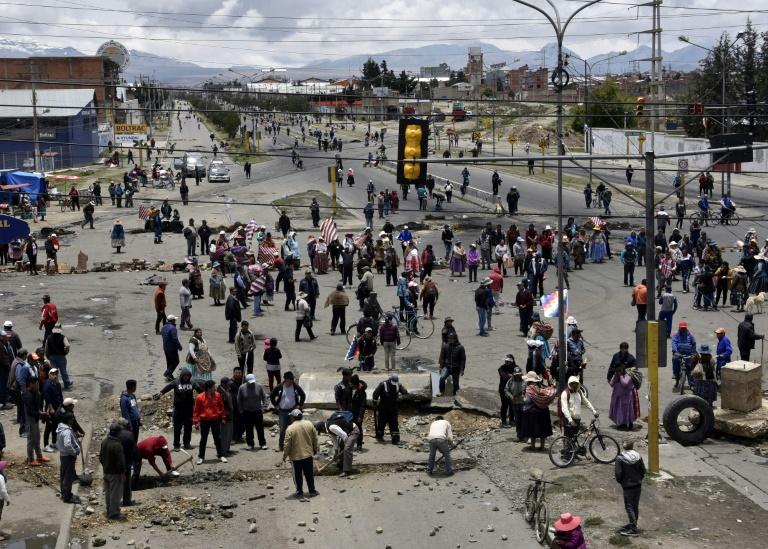 Seguidores de Evo Morales bloqueiam rotas em El Alto - AFP
