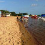 Turista salva criança de afogamento na Prainha, em Penedo