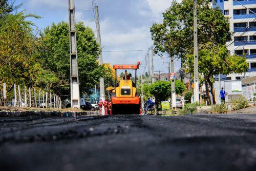 Recapeamento da Avenida Empresário Carlos da Silva Nogueira, na Jatiúca é parte das ações do Nova Maceió Foto: Pei Fon/ Secom Maceió