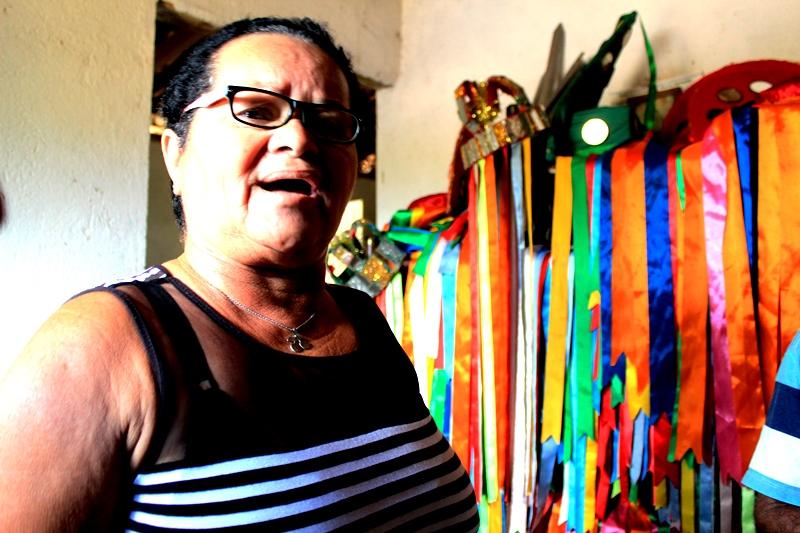 Cicera Leite, Contra Mestra do Reisado da Viçosa-AL. Atualmente é quem coordena as atividades e apresentações do folguedo. Créditos: Jamerson Costa.