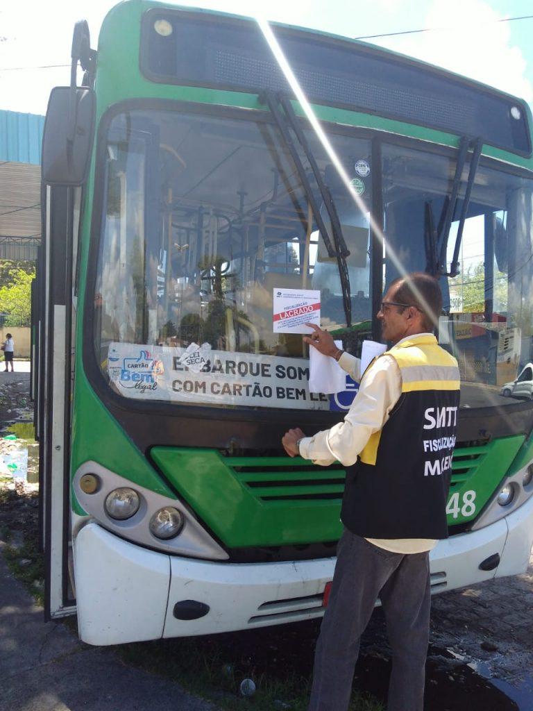 Fiscalização retira de circulação ônibus em situação irregular. Foto: Ascom SMTT