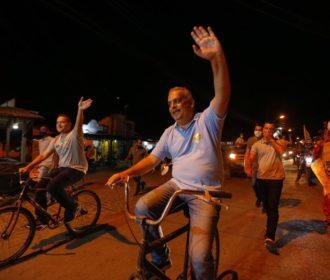 Alfredo Gaspar anda de bicicleta nos bairros e anuncia programa de ciclovias para Maceió