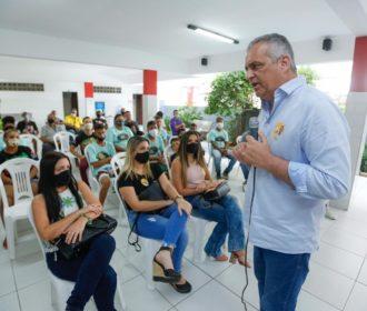 Alfredo Gaspar encontra artistas e garante ampliação de editais públicos para Cultura