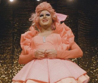 Paty Maionese é a estrela do segundo vídeo do Teatro Deodoro é o Maior Barato
