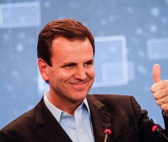 Paes derrota Crivella e é eleito prefeito do Rio de Janeiro