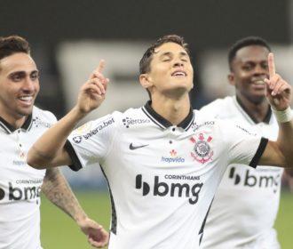 Corinthians passa fácil por Sport e sobe para oitava posição