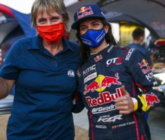 Com torcida brasileira, piloto espanhola faz história no rali Dakar