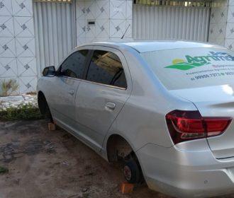 Moradores do José Tenório sofrem com furtos de pneus; veja