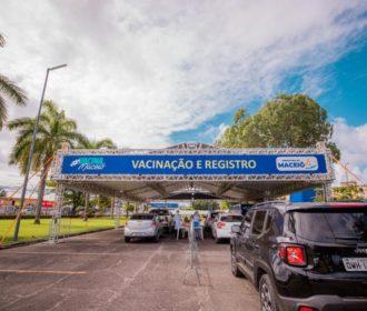 Maceió começa a vacinar professores da Educação Básica e pessoas com deficiência a partir dos 30 anos