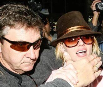 """""""Chorei por duas semanas"""", diz Britney Spears após ver doc sobre sua vida"""