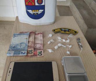 Homem é preso e menor é apreendido com drogas em Maragogi
