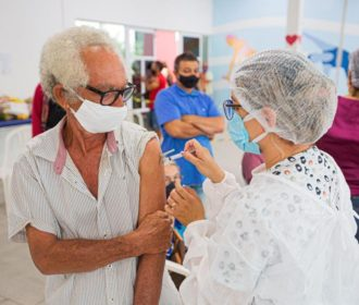 Moradores de Arapiraca com mais de 47 anos já podem se vacinar contra Covid-19