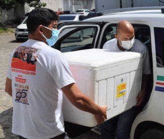 Alagoas inicia distribuição de 40.920 doses da última remessa de vacina AstraZeneca para municípios