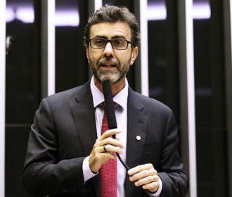 """Marcelo Freixo, líder do PSB, diz que delegado Fábio Costa """"está no lugar errado e no partido errado"""""""