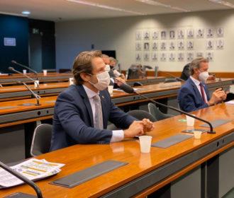 Veto ao aumento do fundo eleitoral terá apoio de Pedro Vilela no Congresso Nacional