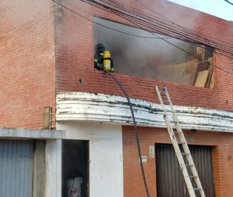 Almoxarifado de hotel pega fogo em Cruz das Almas