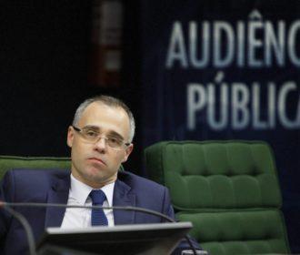 Bolsonaro confirma indicação de André Mendonça para o STF